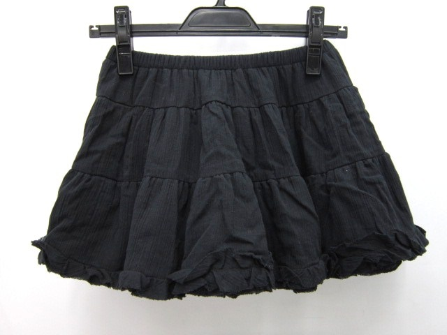 WC(ダブルシー)のスカート