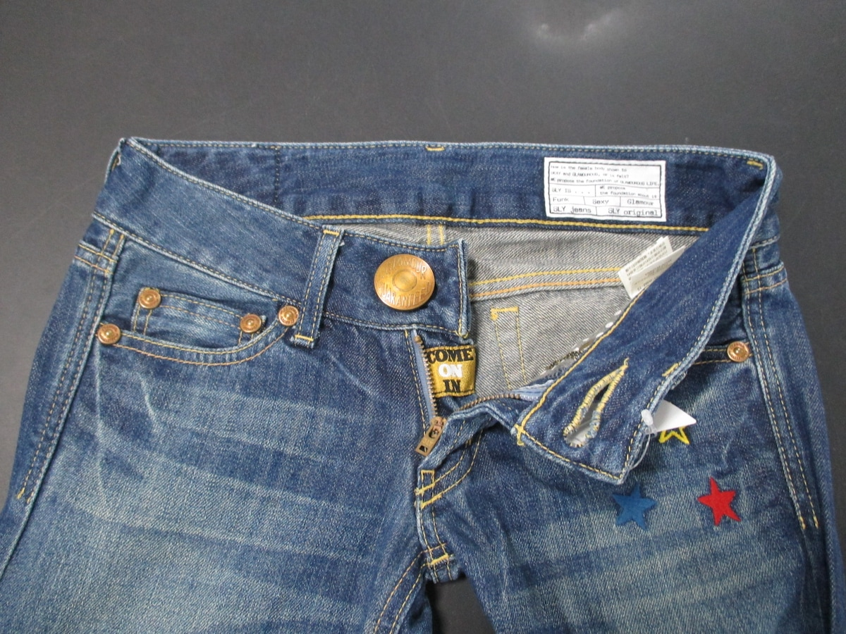SLY LANG(スライラング)のジーンズ
