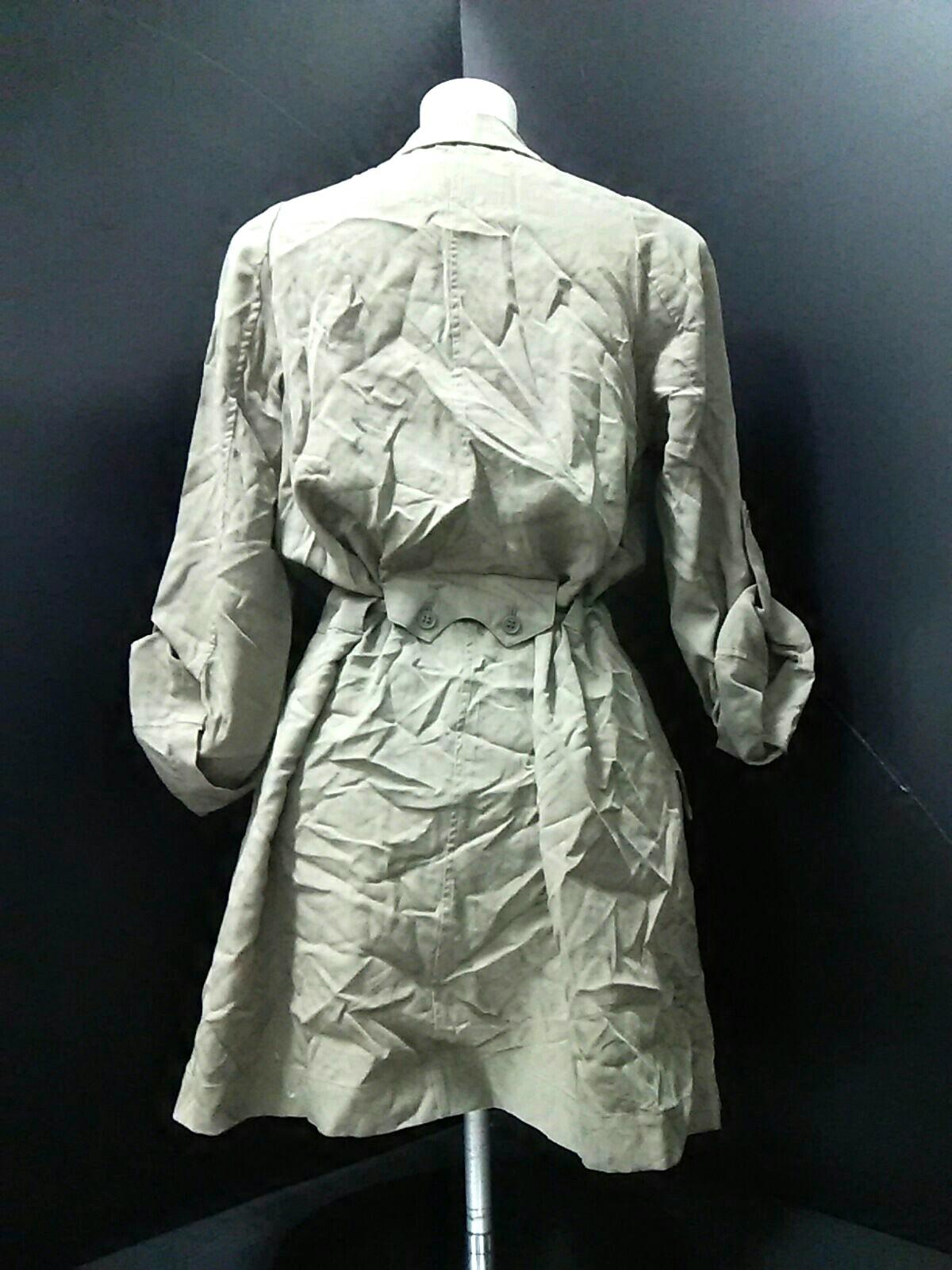 LOURPHYLI(ロアフィリー)のジャケット