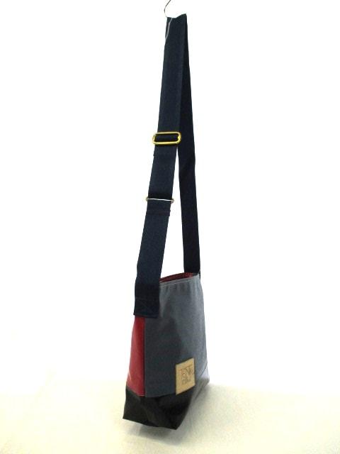 TENT(テント)のショルダーバッグ
