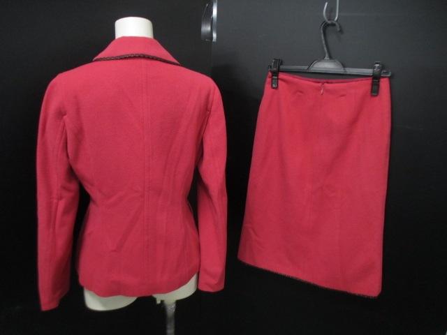 a.(エードット)のスカートスーツ