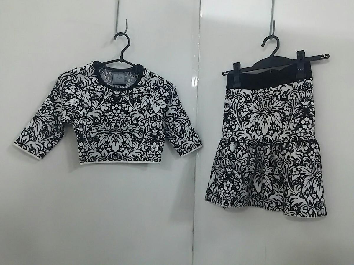 Anela for Dress(アネラフォードレス)のスカートセットアップ