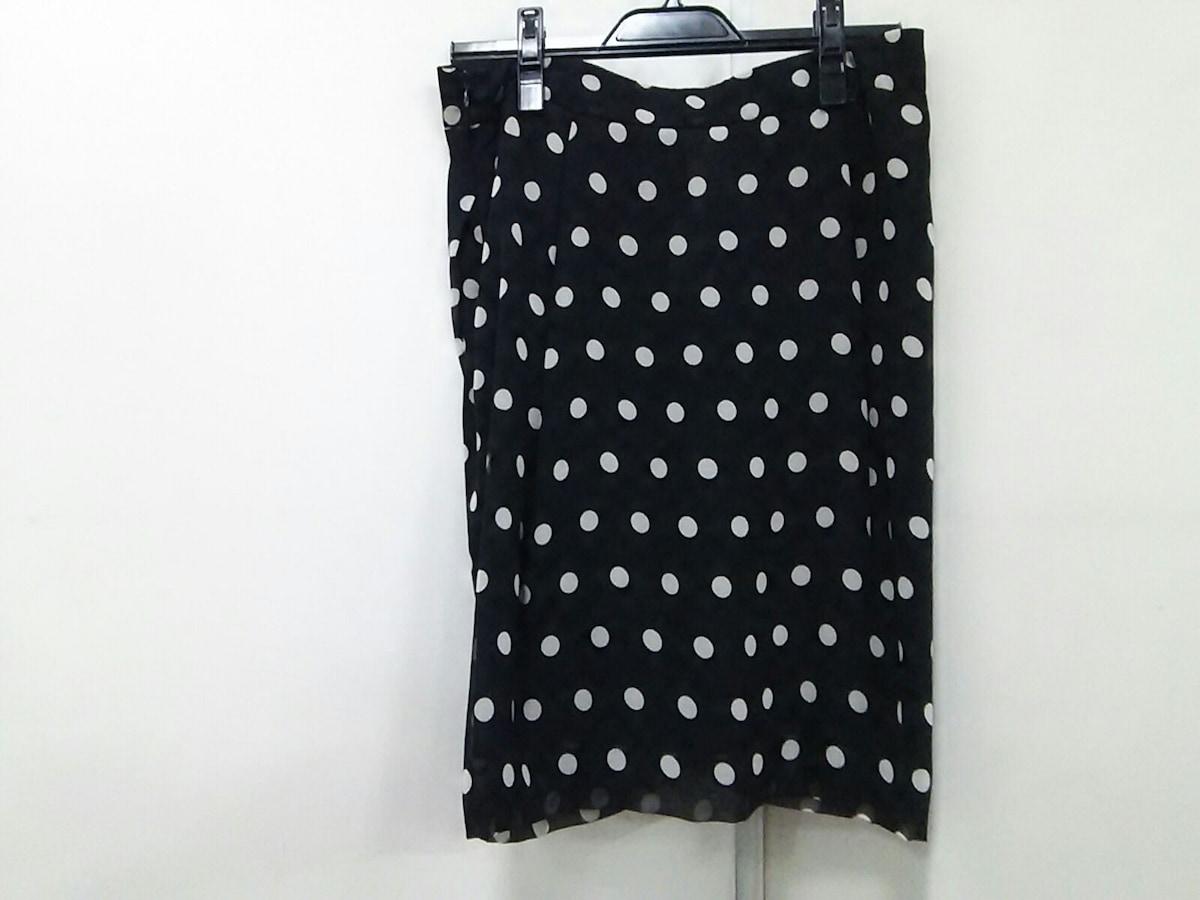 SANDRO FERRONE(サンドロフェローネ)のスカート