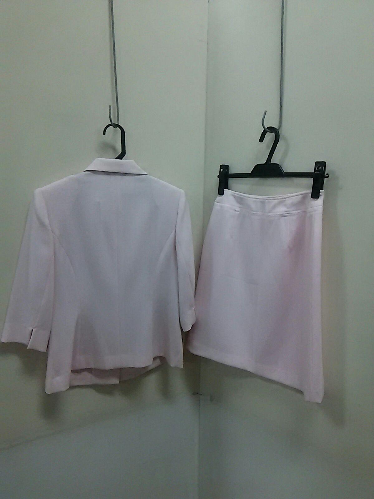 Atease(アティース)のスカートスーツ