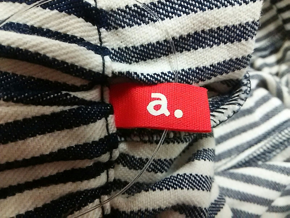 a.(エードット)のパンツ