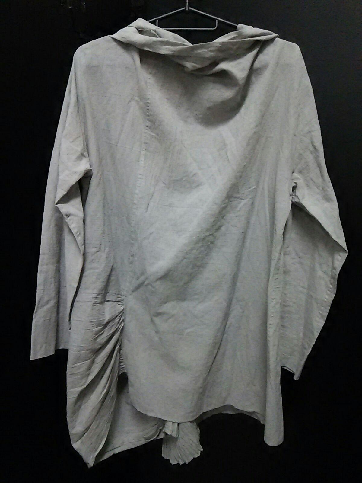 芽風(メフウ/センソユニコ)のシャツブラウス