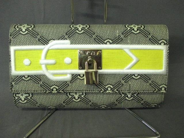 V73(ヴィセッタンタトレ)のクラッチバッグ