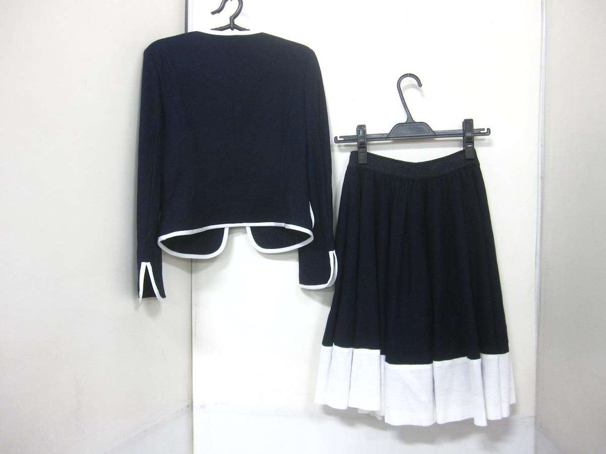 Maglieparef-de(マーリエ)のスカートスーツ