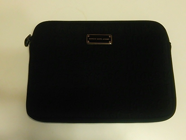 MARC BY MARC JACOBS(マークバイマークジェイコブス)の小物入れ