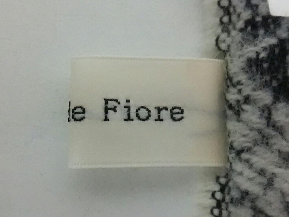 Debut de Fiore(デビュードフィオレ)のマフラー
