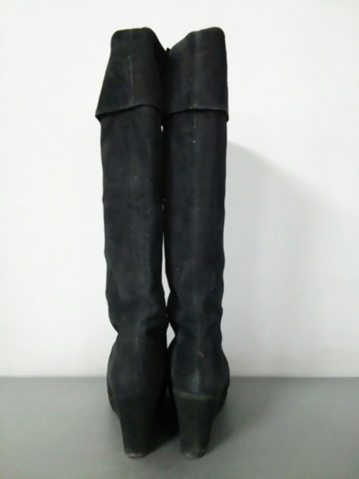 UNTITLED(アンタイトル)のブーツ