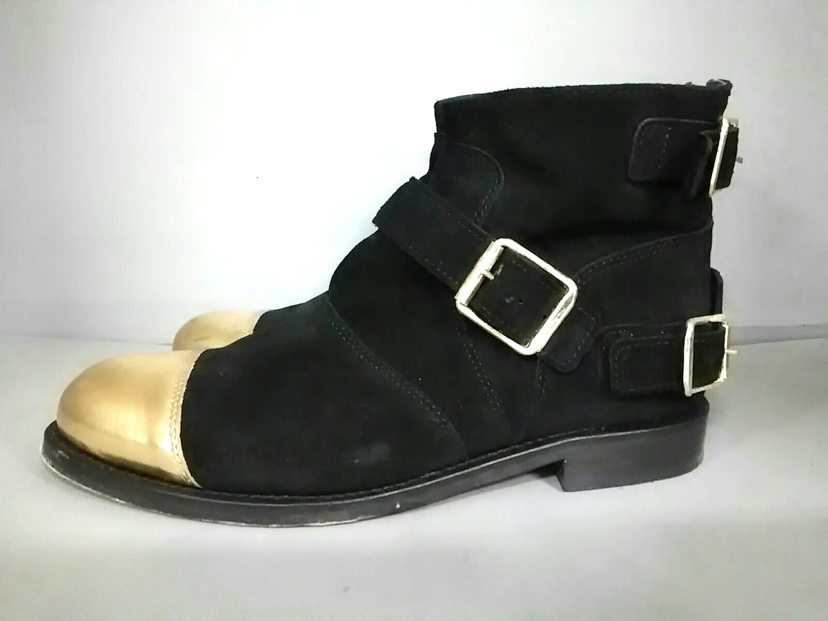 H&M×Balmain(エイチアンドエム×バルマン)のブーツ