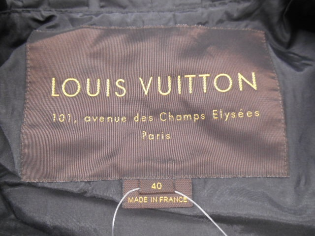 LOUIS VUITTON(ルイヴィトン)のコート
