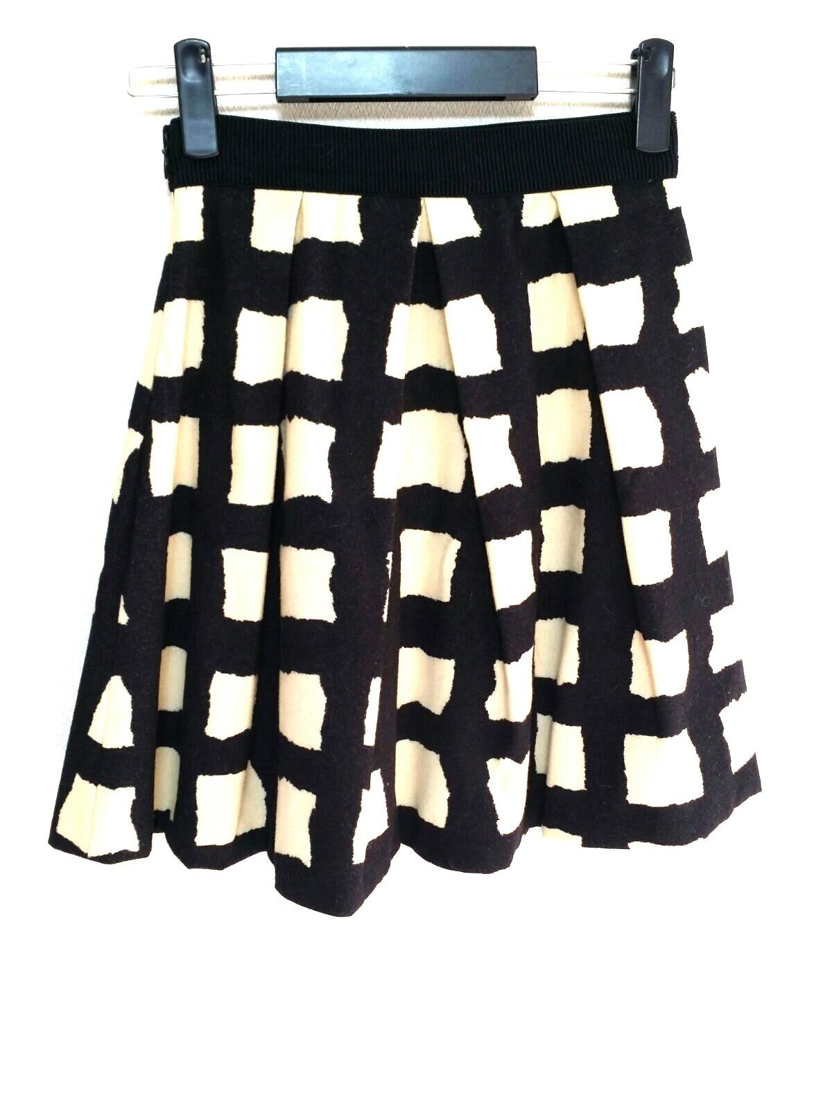 eggs(エッグス)のスカート