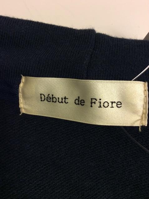 Debut de Fiore(デビュードフィオレ)のパーカー