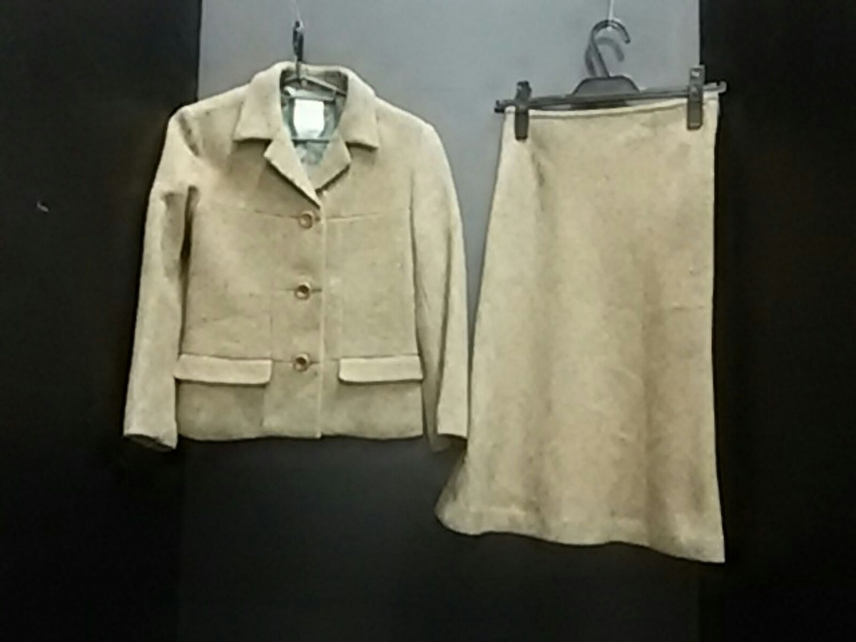 Chez toi(シェトワ)のスカートスーツ