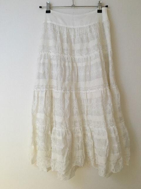L'EQUIPEYOSHIEINABA(レキップ ヨシエイナバ)のスカート