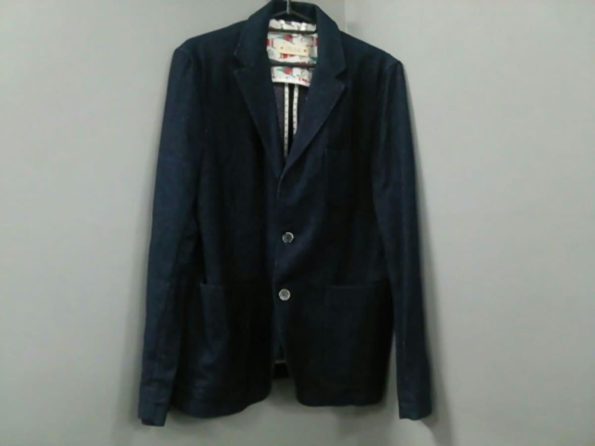 CRUNA(クルーナ)のジャケット