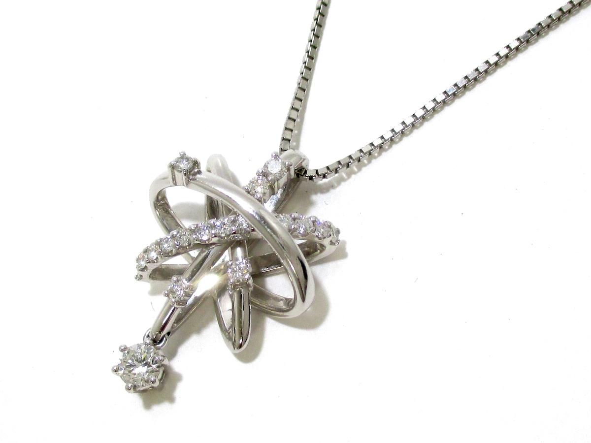Laverite(ラ・ベリテ)のネックレス