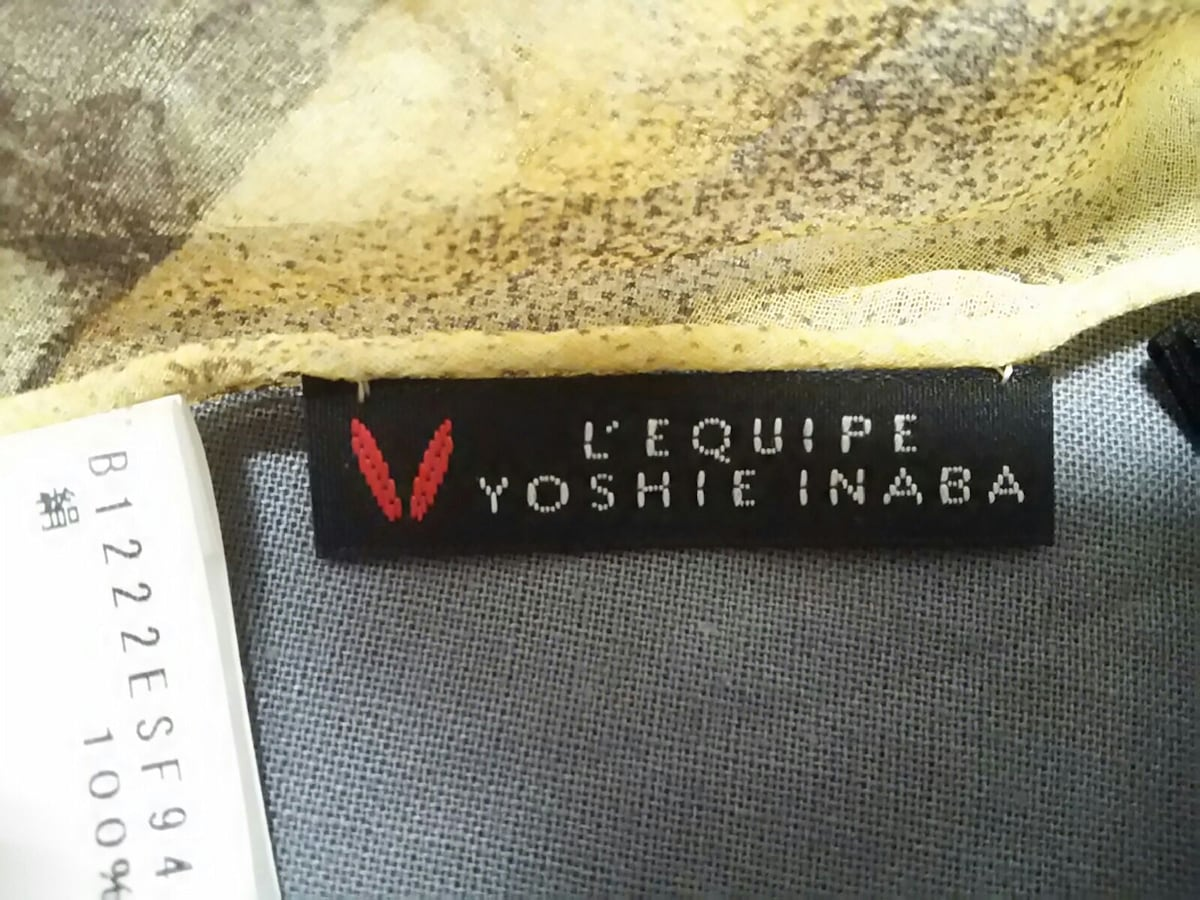 L'EQUIPE YOSHIE INABA(レキップ ヨシエイナバ)のスカーフ
