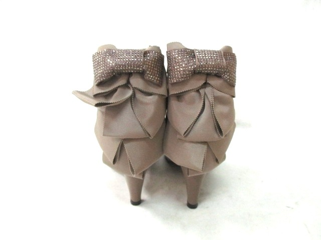 TO BE CHIC(トゥービーシック)のブーツ