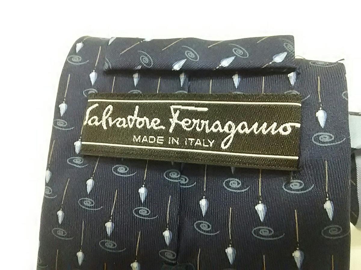 SalvatoreFerragamo(サルバトーレフェラガモ)のネクタイ