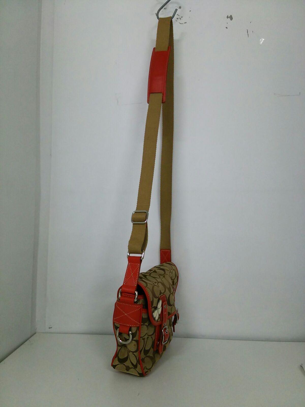 COACH(コーチ)のシグネチャーフィールドバッグ