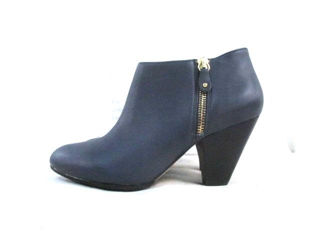 Sara Jones London(サラジョーンズ ロンドン)のブーツ