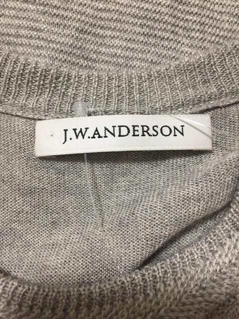 J.W.Anderson(ジェイダブリューアンダーソン)のカットソー