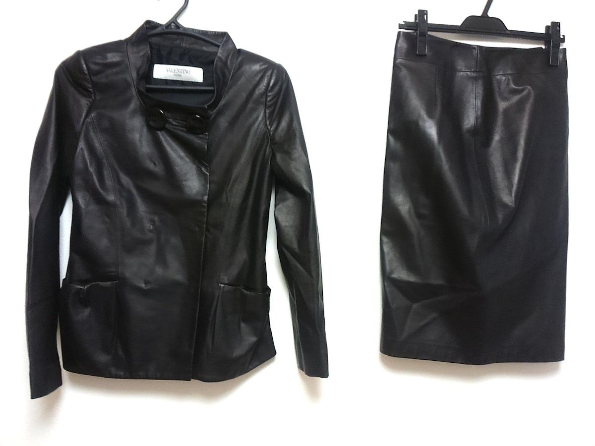 スカートスーツ 黒____