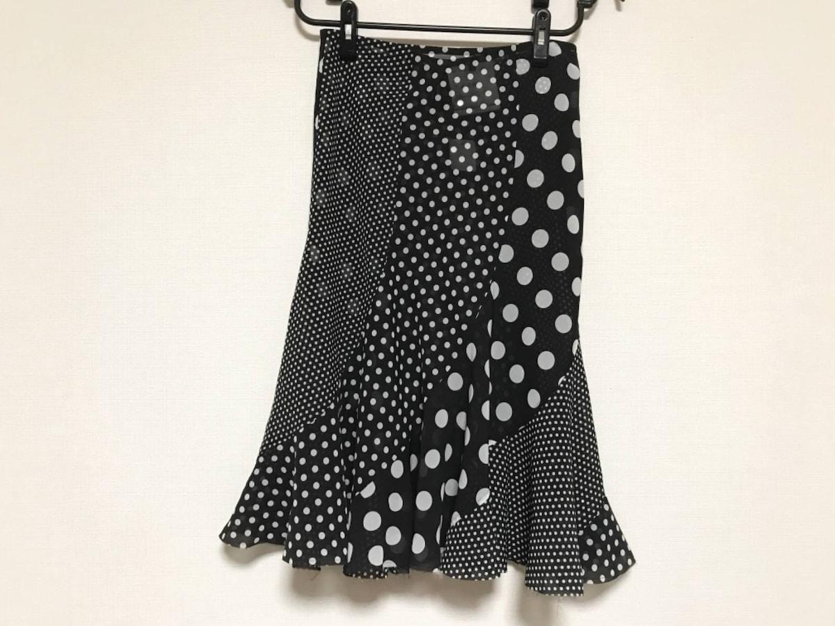 スカート 黒×白____