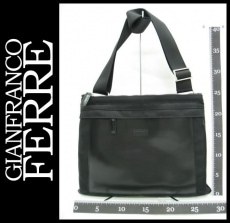 GIANFRANCO FERRE(ジャンフランコフェレ)のショルダーバッグ