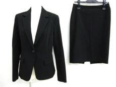 Apuweiser-riche(アプワイザーリッシェ)のスカートスーツ