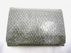 A.P.C.(アーペーセー)の3つ折り財布