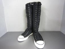 JUICY COUTURE(ジューシークチュール)のブーツ