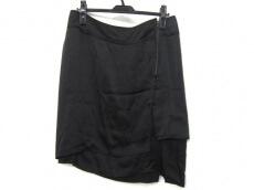 PHI(フィ)のスカート