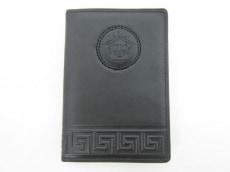 GIANNIVERSACE(ジャンニヴェルサーチ)の手帳