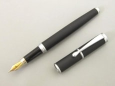LOEWE(ロエベ)のペン