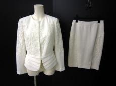 callas(カラス)のスカートスーツ