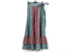 Hアッシュ(アッシュ)のスカート