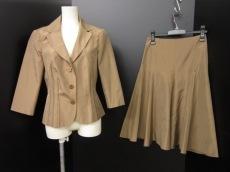 RENATO NUCCI(レナトヌッチ)のスカートスーツ