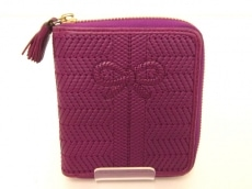 Anya Hindmarch(アニヤハインドマーチ)の2つ折り財布