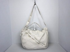 PETITE CLASSE(プティトゥクラッセ)のショルダーバッグ