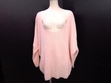 LoveFree(ラブフリー)のセーター