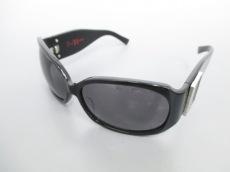 Y's Red Label(ワイズレッドレーベル)のサングラス
