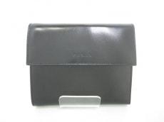 PRADA(プラダ)の3つ折り財布