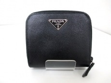 PRADA(プラダ)の2つ折り財布