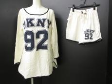 DKNY(ダナキャラン)のレディースパンツセットアップ