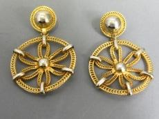 PRADA(プラダ)のイヤリング