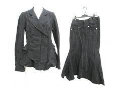 MARITHE FRANCOIS GIRBAUD(マリテフランソワジルボー)のスカートスーツ